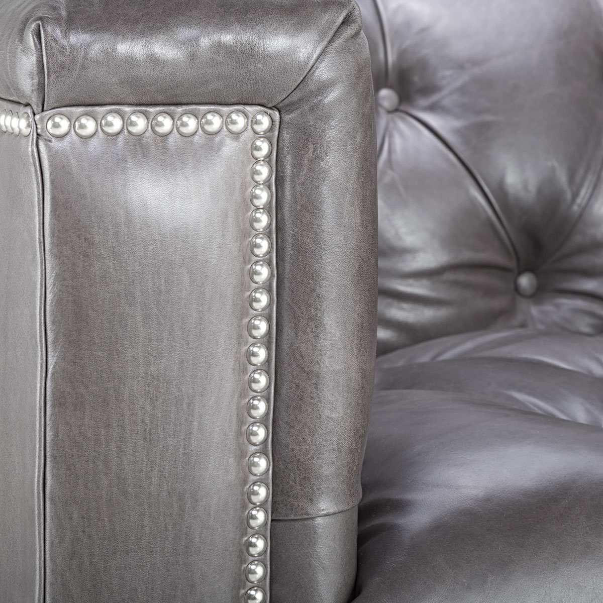 Contemporary Leather Tufted Nailhead Sofa Safavieh Com ~ Leather Sofa With Nailheads