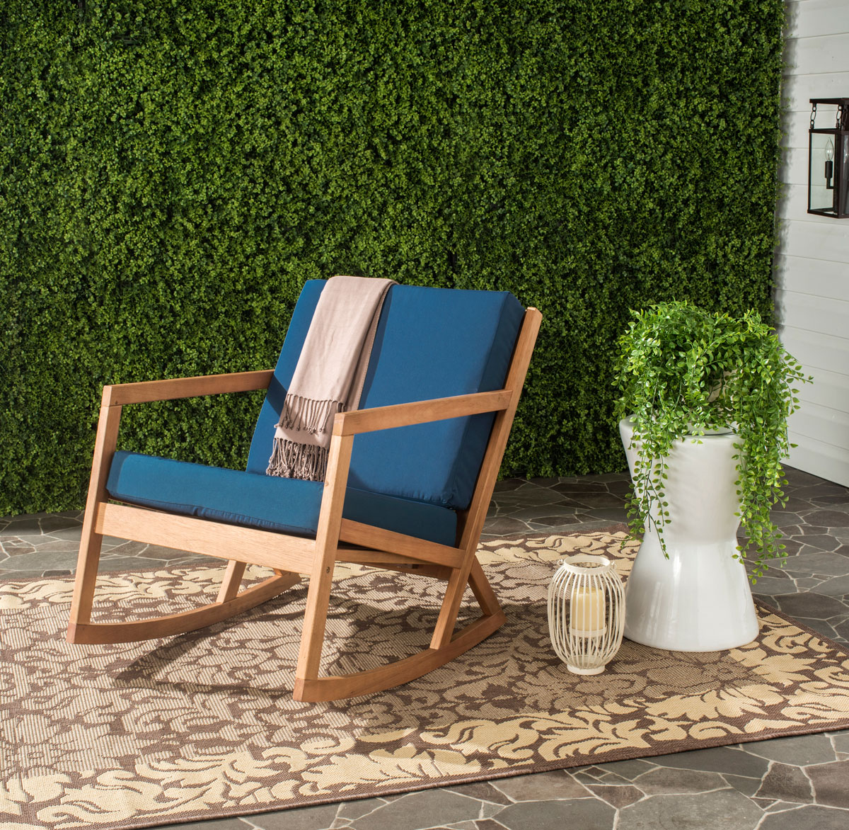OUTDOOR ROCKING CHAIRS / ROCKING CHAIRS