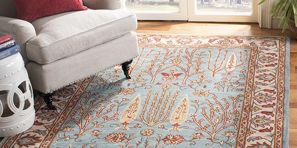 The Glamour Collection Is A Handtufted Rug That Utilizes Clic Accent Motifs To Design An Elegant