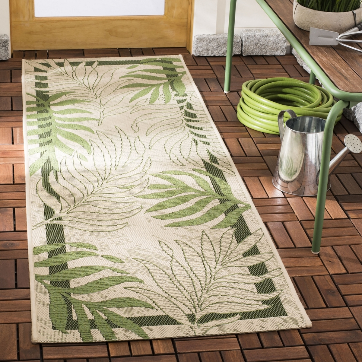 Palm Leaf Outdoor Rug Courtyard Collection Safavieh Com