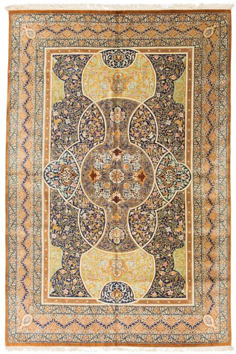 121686 Persian Qum