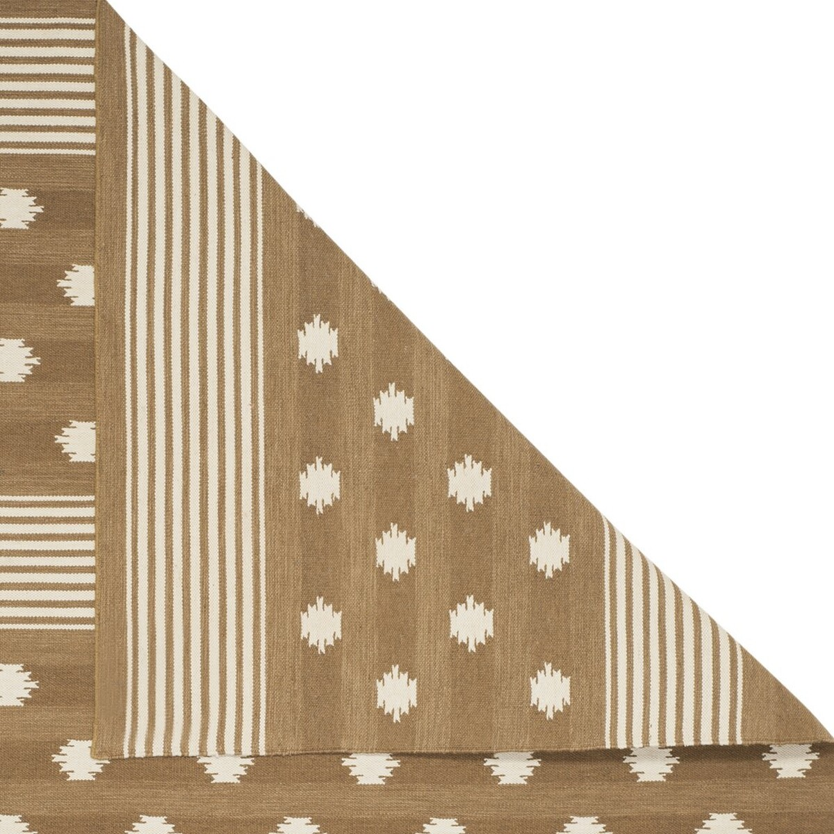 10 Small House Designs That Break Preconceptions About Small Size: Ralph Lauren Area Rugs By Safavieh